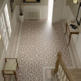 conception de sol dans les idées intérieures de couloir