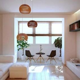 Salon minimaliste avec balcon