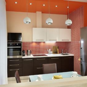 Carreaux de mosaïque sur le mur de la cuisine