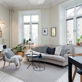 Style scandinave à l'intérieur du salon