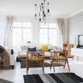 Lampes design sur un plafond blanc