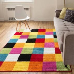 Ornement lumineux sur le tapis patchwork