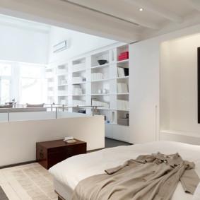 Chambre lumineuse avec bureau complet