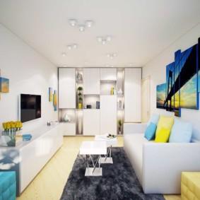 Décoration intérieure de l'appartement avec des peintures modulaires