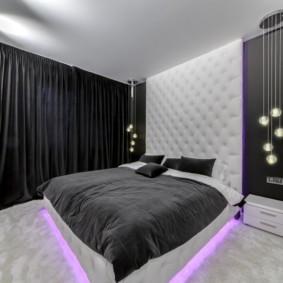 Rideaux noirs à l'intérieur d'une chambre moderne
