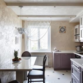 Cuisine étroite dans un appartement de deux chambres