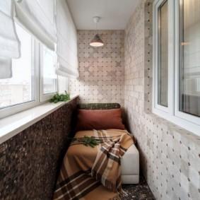 Balcon en mosaïque de céramique