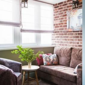 Canapé pliant sur une loggia confortable