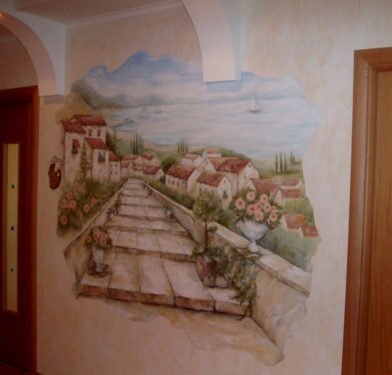 Image d'une vieille rue sur le mur dans le couloir de l'appartement