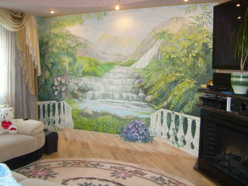 Cascade dessinée sur le mur du couloir dans un appartement de deux chambres