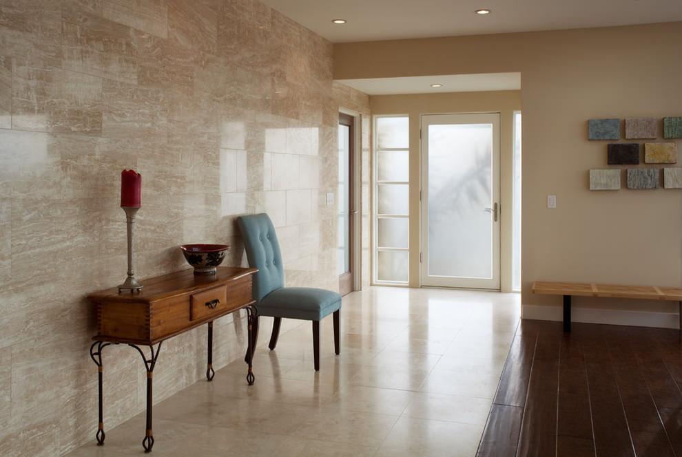 pierre à l'intérieur du couloir