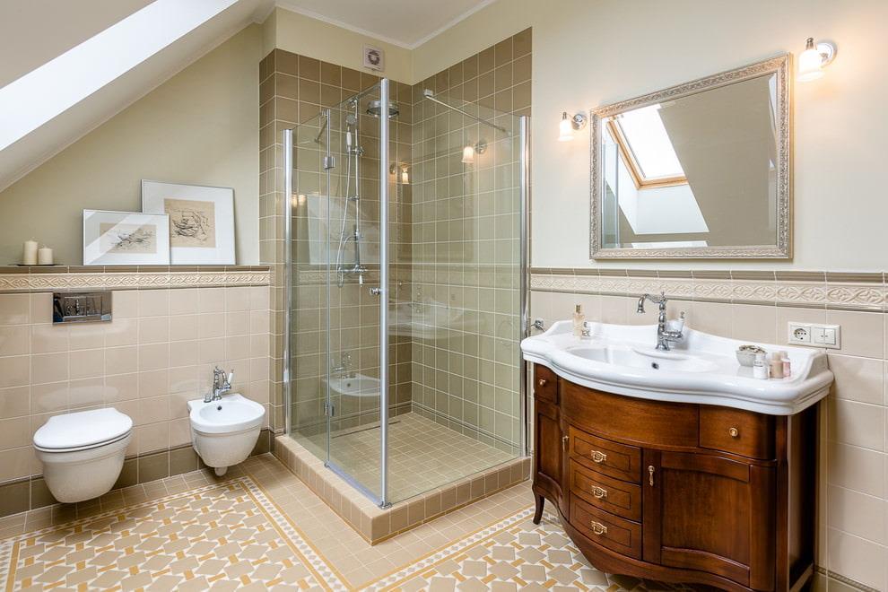 Salle de bain mansardée de style classique