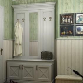 papier peint combiné dans le couloir de la décoration de l'appartement
