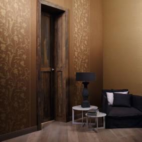 papier peint combiné dans le couloir des idées de décoration de l'appartement