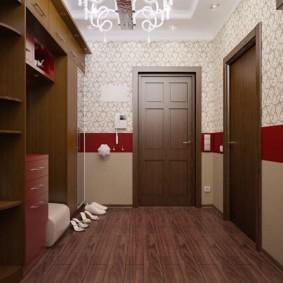 papier peint combiné dans le couloir des options de l'appartement