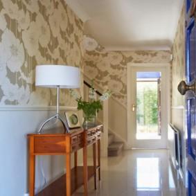 papier peint combiné dans le couloir de l'appartement photo options
