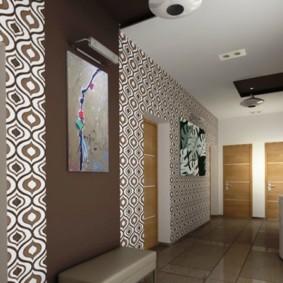 papier peint combiné dans le couloir des vues des idées de l'appartement