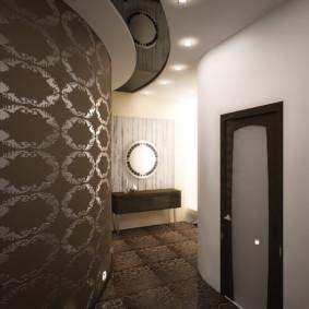 papier peint combiné dans le couloir de la revue de l'appartement
