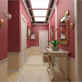 papier peint combiné dans le couloir de la conception de l'appartement