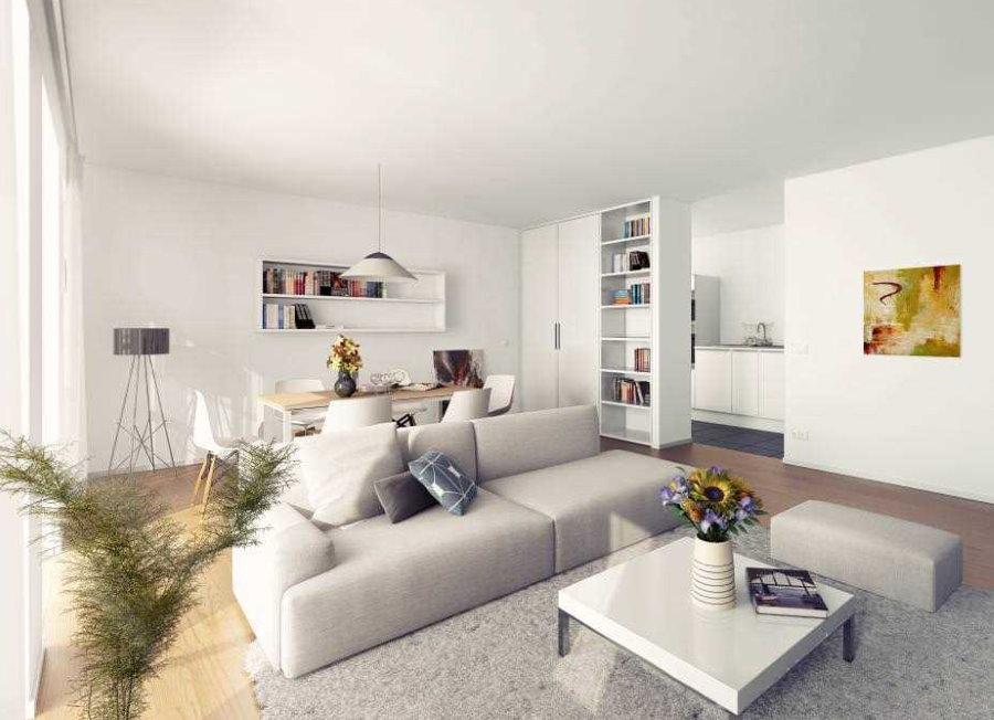 Séjour dans un style moderne dans un appartement de maison en panneaux