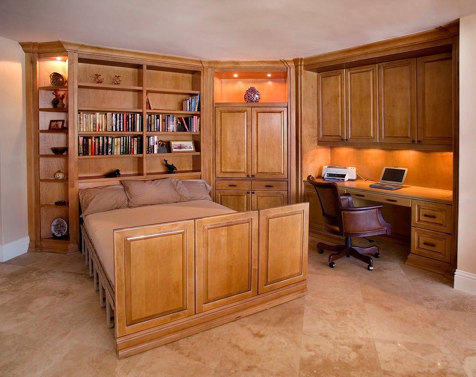 Suite en bois avec un espace de travail