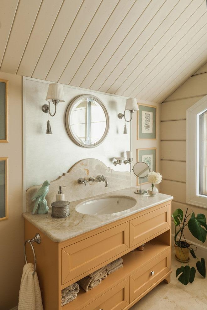 Meubles en bois dans une salle de bain confortable