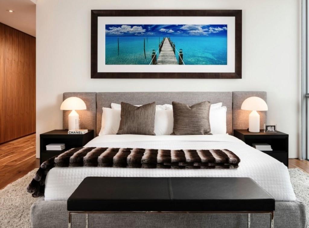 Peinture marine sur le mur de la chambre