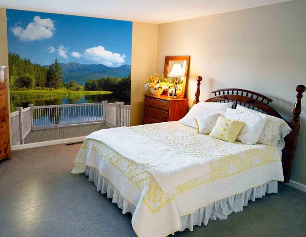 Petite chambre avec de belles peintures murales