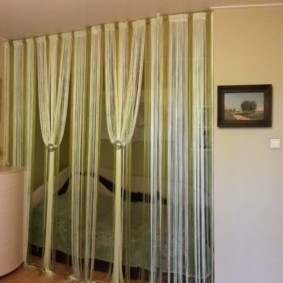 rideaux de filament dans le décor de la cuisine