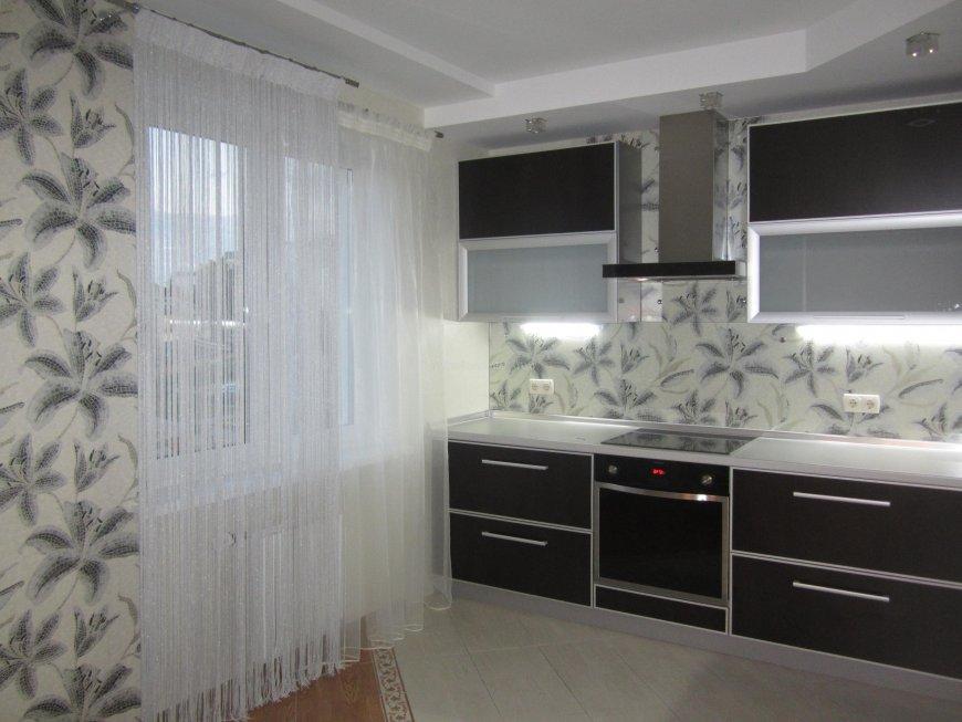 rideaux à l'intérieur de la cuisine
