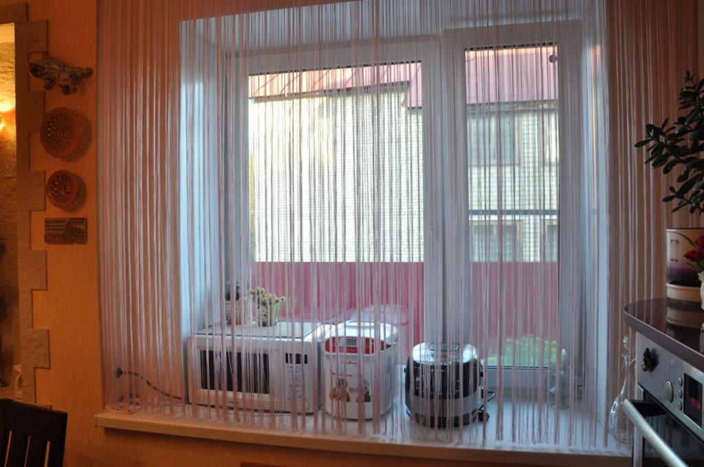 rideaux de filament dans les espèces de photos de cuisine