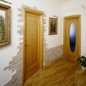 papier peint et pierre décorative à l'intérieur des couloirs types de décoration