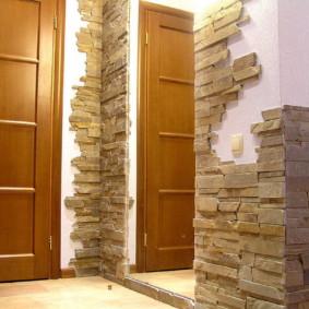 papier peint et pierre décorative à l'intérieur des idées de conception de couloir