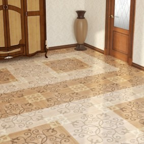 carreaux de sol à l'intérieur du couloir