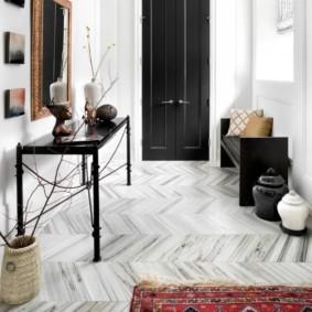 carreaux de sol dans les types de conception de couloir