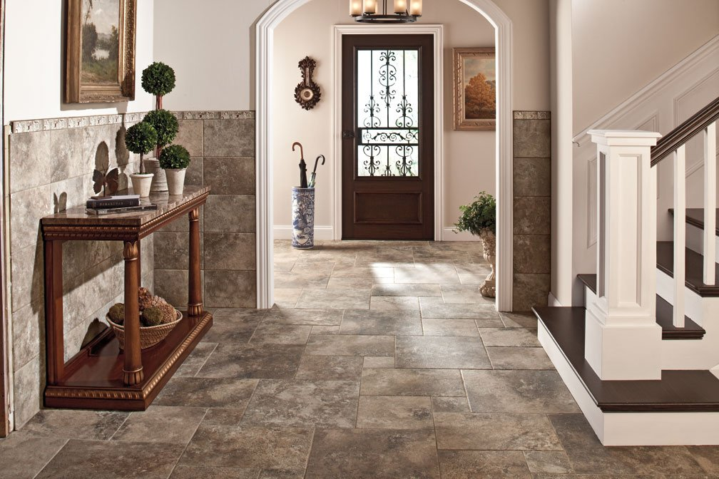 carreaux de sol dans les idées de conception de couloir