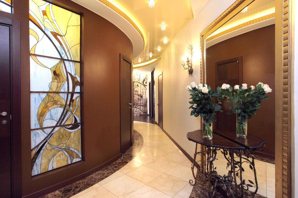 carreaux de sol dans le couloir moderne
