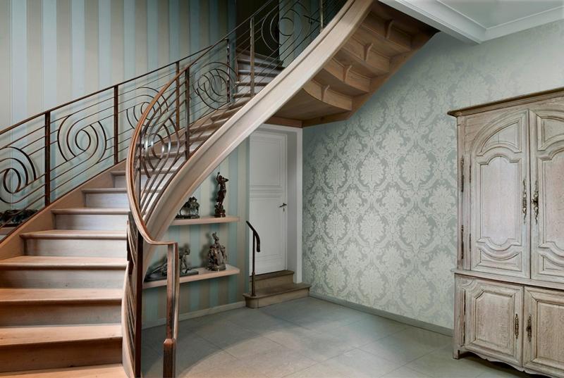 papier peint dans le couloir la bonne combinaison