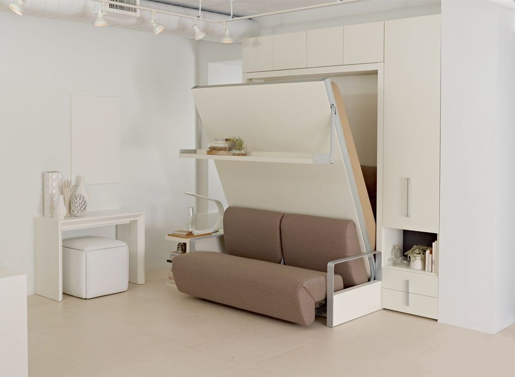 Transformer les meubles à l'intérieur de l'appartement