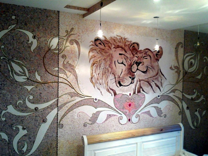 Le dessin en relief du papier peint liquide sur le mur de la chambre