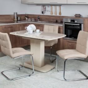 idées de conception de table de cuisine à une jambe
