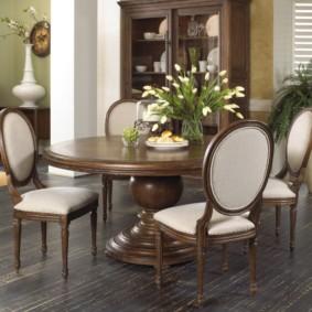 table sur une jambe pour les idées de décoration de cuisine