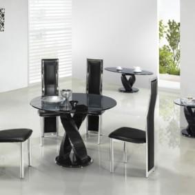 table sur un pied pour l'intérieur de la cuisine