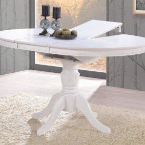 table sur une jambe pour les types de photos de cuisine