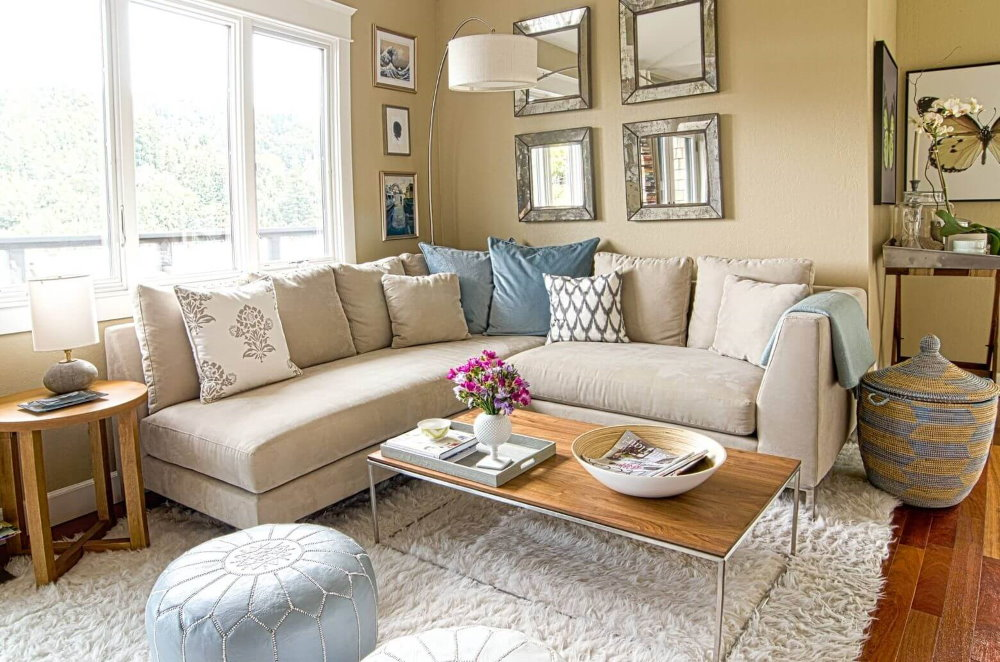 Petit salon avec canapé d'angle