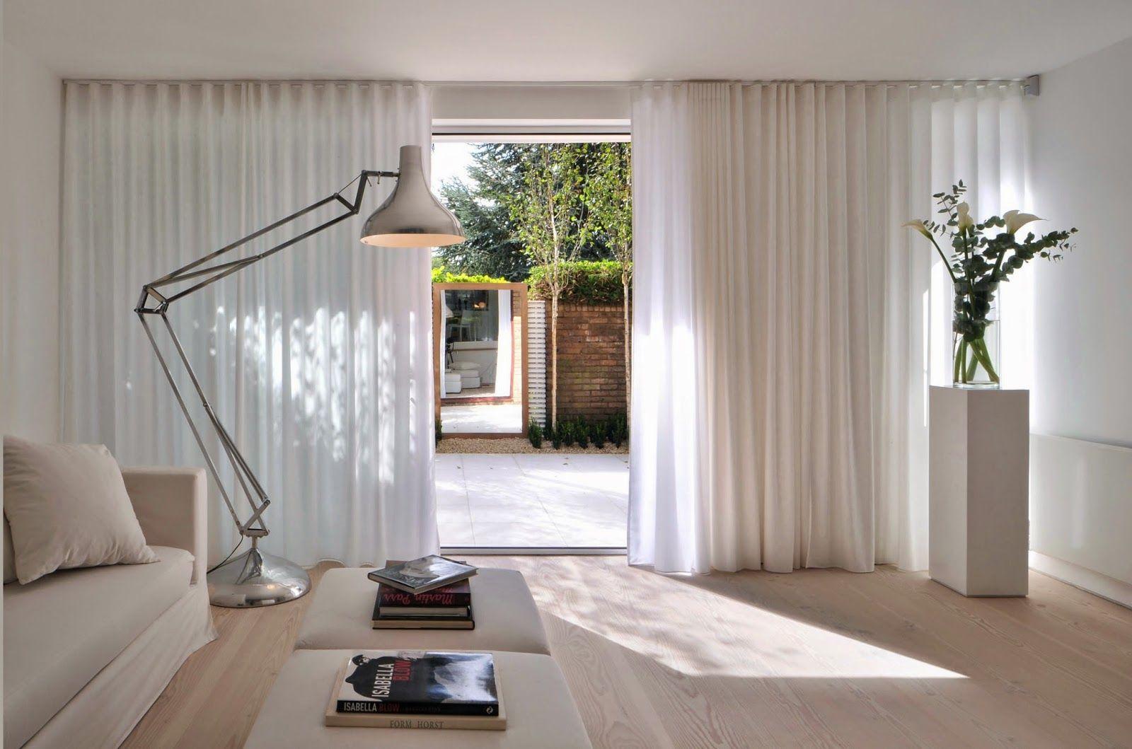 rideaux dans le salon minimalisme