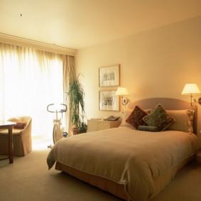 appliques dans la chambre au-dessus des options de lit
