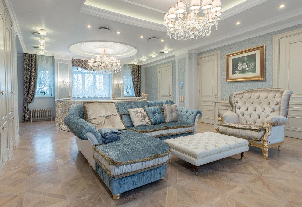 canapé d'angle dans le salon classique