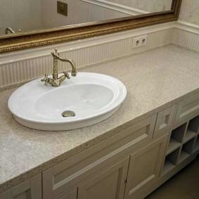 Khung gương phòng tắm mạ vàng