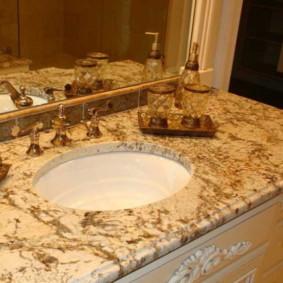 Mặt bàn đẹp làm bằng đá cẩm thạch nhân tạo